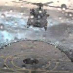 荒れた海のヘリ甲板に着艦する凄腕動画